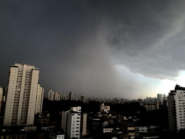 Dia mais chuvoso do ano, com 39,3 milímetros de pluviometria na média da cidade - 15% de todo o volume esperado para o mês (Foto: Banco de Dados)