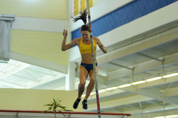 Fabiana Murer disse que vai ficar feliz se saltar bem alto  (Osvaldo F./Contrapé)