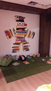 Espaço promove a troca de livros e atividades infantis (Foto: Divulgação)