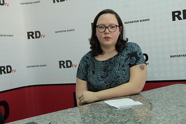 Psicóloga Flávia Roberta Eugênio acredita que a vítima de abuso sexual deve ser acolhida pelos familiares. (Foto: Pedro Diogo)