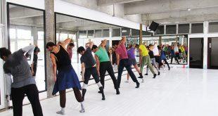 Bailarinos ensaiam montagens