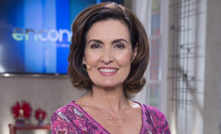 Fátima Bernardes revela que teve reação após tomar vacina